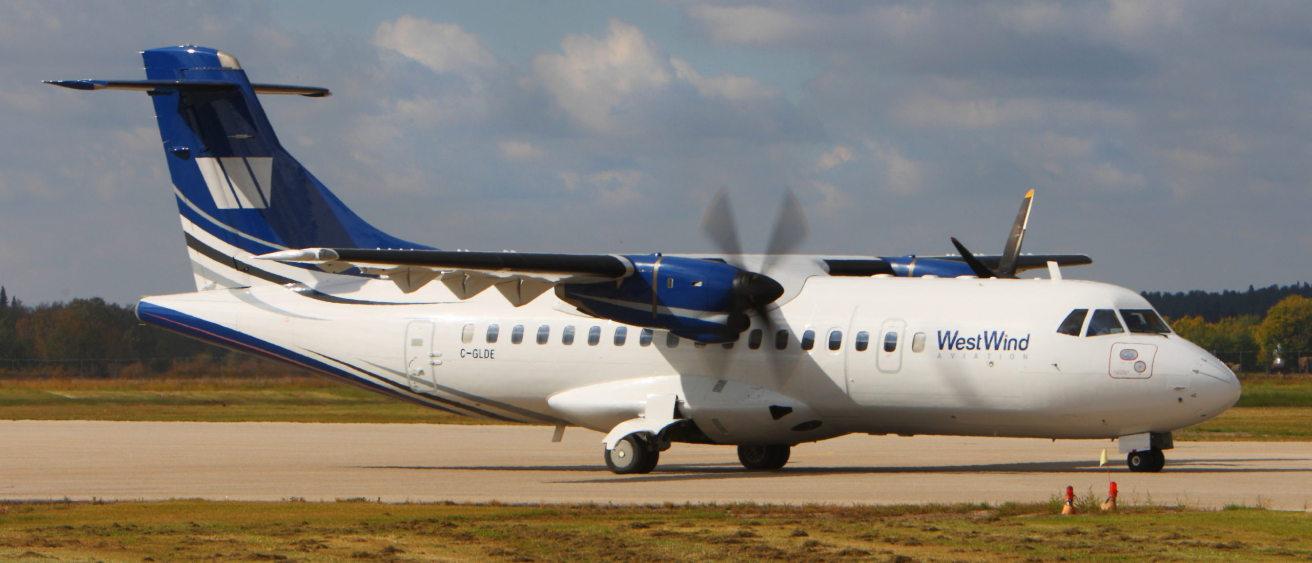 ATR-42-300 Sn 211